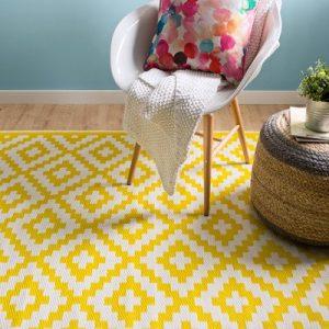 alfombras jardín amarilla
